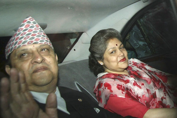 gyanendra shah and wife