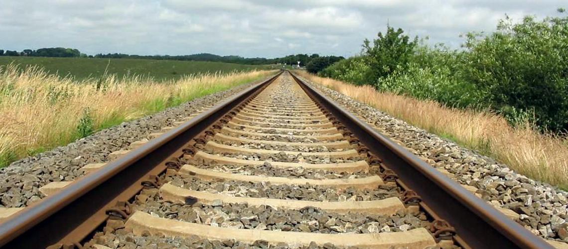 rail EYmb7ohRYZ