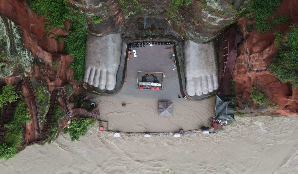 sichuan flood buddha feet