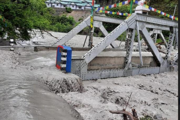 NL Manang marsyangdi river flood 1 scaled e1624188037872