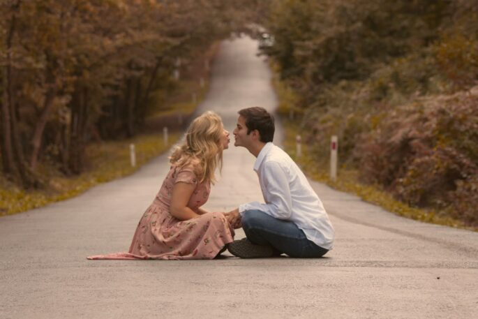 couple boyfriend girlfriend road love kiss