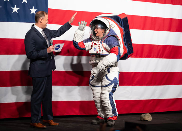 the cost of new space suit1623722582