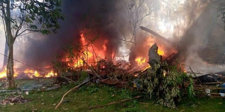 1625380919 Philippine military plane crash kills 17 people 750x375 1
