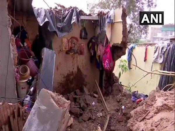 60f3eac738318 Mumbai Building Collapsed