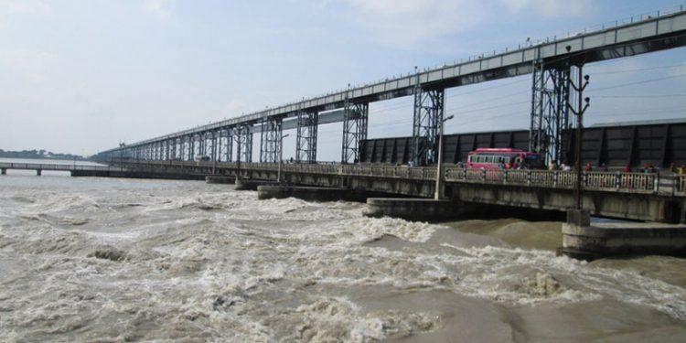 Saptakoshi River Koshi Barrage 750x375 1