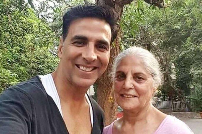 akashya kumar with his mum